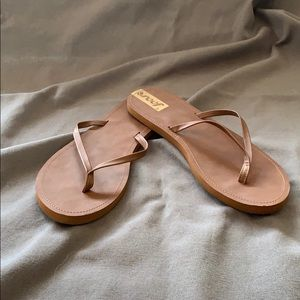 Reef sandals size 8